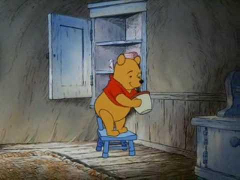 Winnie l'ourson la chanson du ventre qui gargouille - YouTube