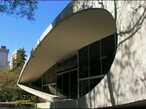 UNED - Oscar Niemeyer. De curvas está hecho todo el universo.