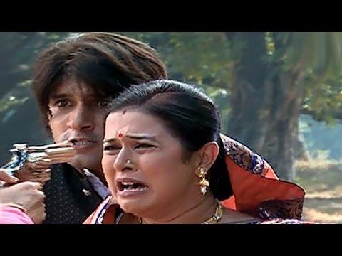 Rajmata Saves Raja's Life In 'Ek Tha Raja Ek Thi Rani' | #TellyTopUp