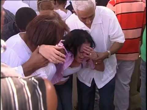 Entierran joven asesinado por la policía en Herrera