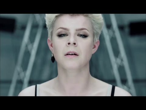 Robyn  Dancing On My Own  (Official Video)