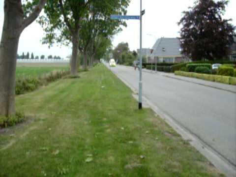 Ambulance met spoed naar de Visser- Roosendaal in Venhuizen ( 28-09-09 )