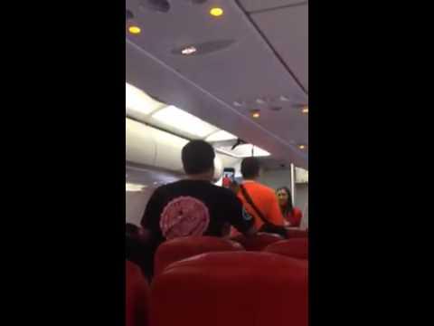 มนุษย์ลุงกร่างบนเครื่องบิน AirAsia