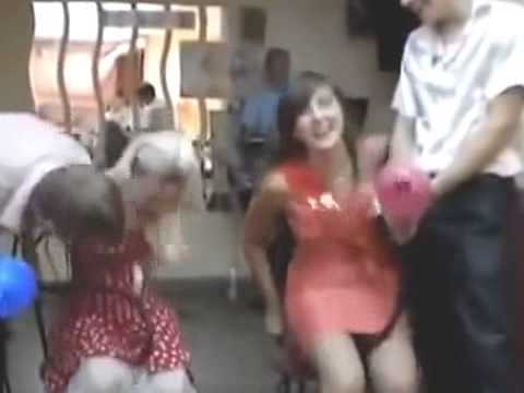 podsmotrennie-chulki-na-svadbe-video