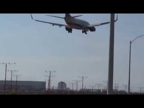 Aeromexico Boeing 737-752(WL) (XA-VAM) Landing in Los Angeles International Airport.