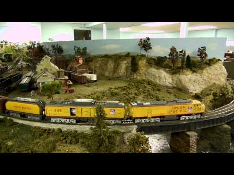 Union Pacific Gas Turbine - UP 24 Big Blow - HO Scale - Motion and Sound
