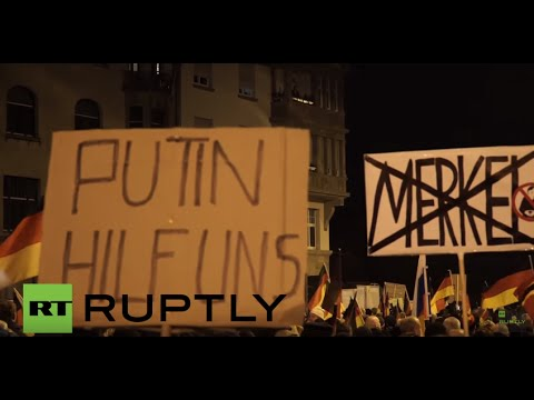 Germany: Hundreds of AfD supporters march against Merkel in Erfurt
