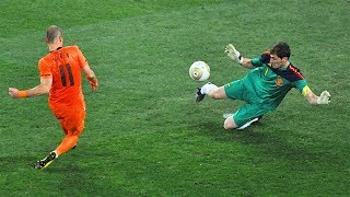 33 Famous Saves By Goalkeepers ▪ Impossible To Forget
