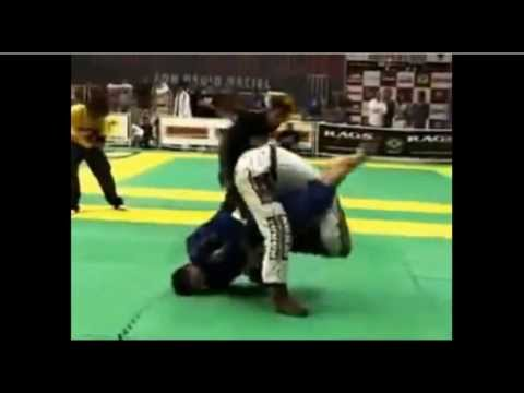 JiuJitsu Epicness. Roger Gracie breaks Jacare's arm. GRAPPLERSPLANET.COM Image 1