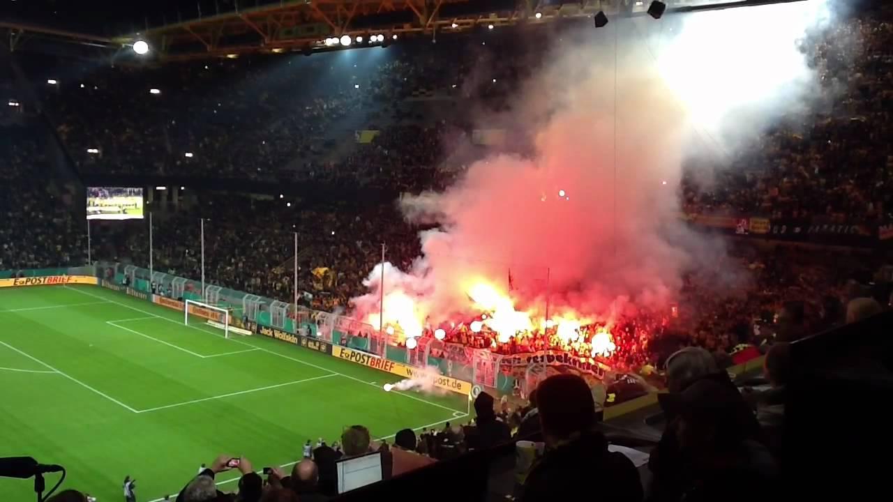 Dortmund Fans Pyro Pyro Borussia Dortmund