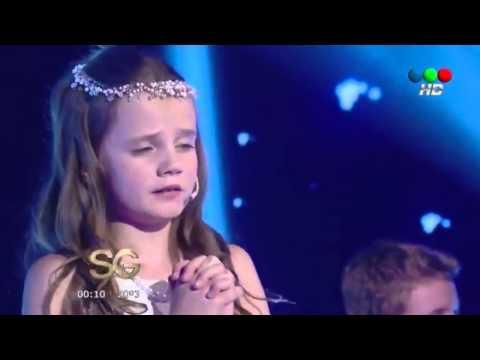 "Amira Willighagen - ""Ave Maria"" on Susana Giménez TV Show - Argentina - 20 August 2014"