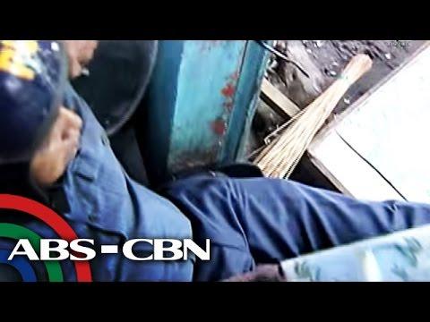 Tatlong pulis sugatan sa demolisyon sa Caloocan