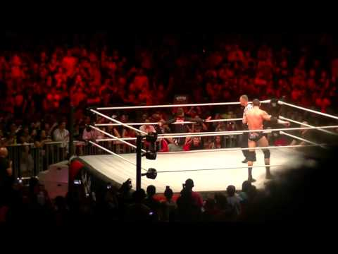 REACTIONS TO WWE LIVE SINGAPORE 2015! - VLOG