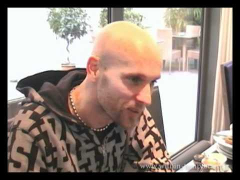 [WT France] Within Temptation - Interview with Robert 02/2011 Part 2/3