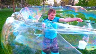 HUGE BUBBLES AT THE PARK!