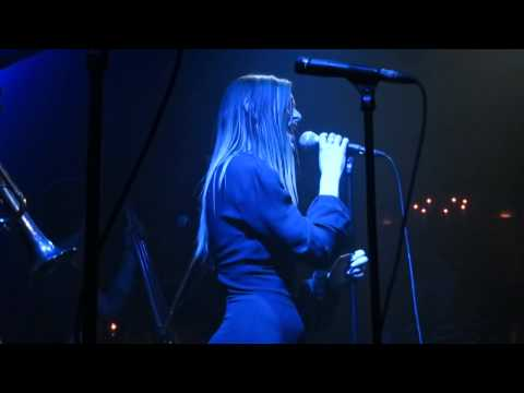 Rumer Willis - Wrecking Ball (Miley Cyrus cover) Live Sayers Club 9-24-13