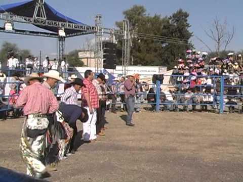 Los Destructores Memo Ocampo, Rancho El Monte De Los Juarez 1/6/2013 (parte 1/4)