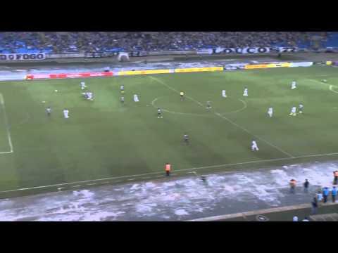 O gol de Botafogo 0 x 1 Figueirense pela Copa do Brasil 2015
