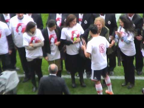 Chivas :Homenaje Chava Reyes - Omar Bravo