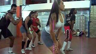 coreografia treinamento do bum bum
