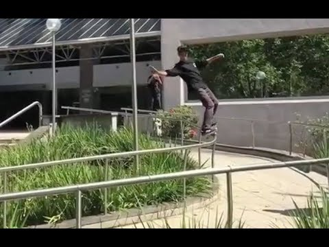 INSTABLAST! - Little Kid Kickflip Bs Noseblunt 360 Out!?!! One Footed 5-0 Grind! Scooter Kid Reemed!