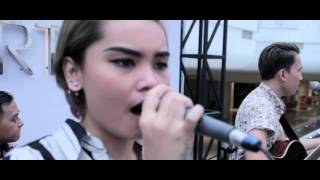 Hello - Adele ( Cover by Runaway Band Indonesia )