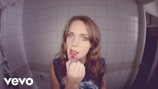 Video clip Tove Lo - Habits (Stay High) - Hippie Sabotage Remix