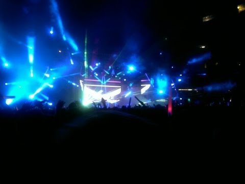 Calvin Harris LIVE @ Spring Awakening Festival 6/18/13 Feel So Close with Fireworks Show!