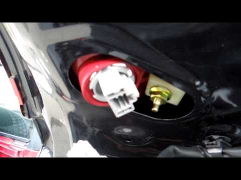 how to change tail light bulb mazda 3 2006 part 1