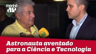 Vamos ver como Bolsonaro vai fazer o anúncio, diz astronauta aventado para a Ciência e Tecnologia
