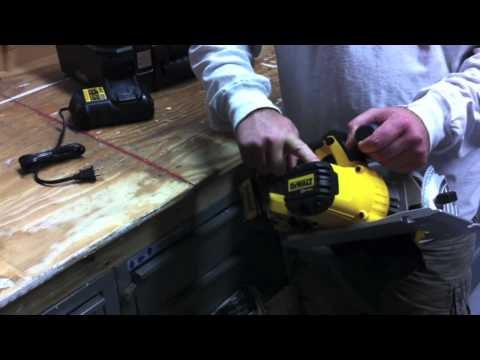 DeWalt DCS391L1 20V Max Li-Ion Circular Saw Kit - Review