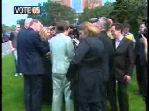 Labour rally at Victoria University, student loan costings released, NZ election, September 14  2005