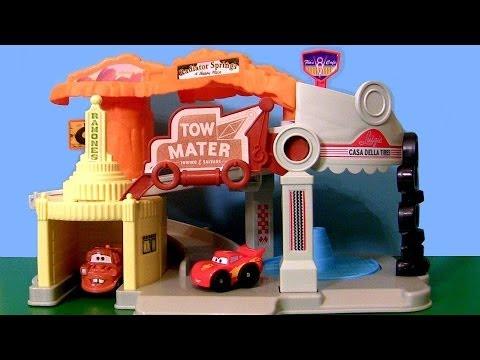 Cars Wheelies Radiator Springs Playset Lightning Mcqueen