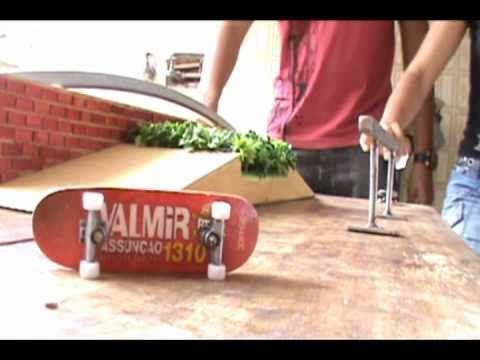 Valmir Assun��o campe�o fingerboard