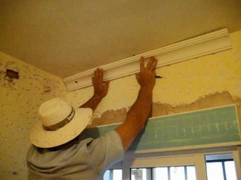 Marcado de l neas en techo 2 c mo colocar molduras de for Modelos de yeso para techos