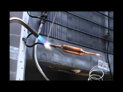 Como trocar gas de geladeira