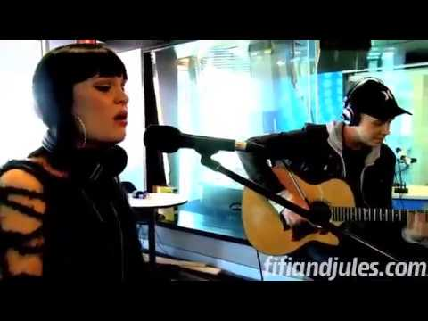 "Jessie J ""Nobodys Perfect"" Acoustic  (Amazing version!!)"