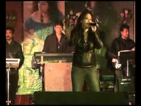 Ye Mera dil Pyar Ka Deewana  by Miss Roshni Live In Concert...