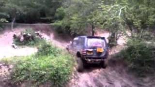 Mitsubishi Pajero - Vertical Drop And Steep Hill Climb - Fourmarks