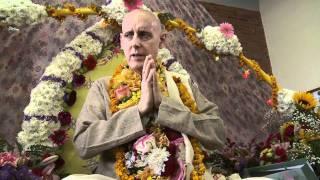 2011.10.22. Vyasa Puja part 4 Pushpanjali HG Sankarshan Das Adhikari - Kaunas, Lithuania