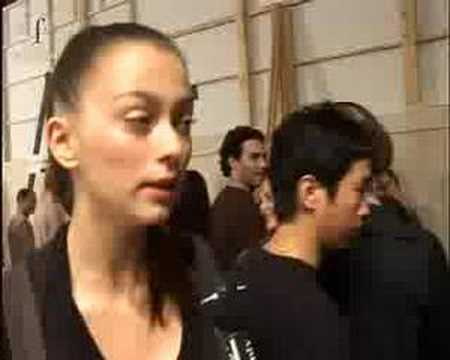 Emanuel Ungaro S/S 2006 backstage / show - youtube
