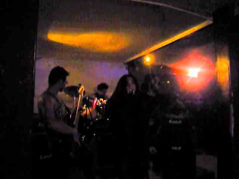 "Hell Walker - The Pursuit of Vikings ""Cover"" (En Vivo) ""Bizarre Rock Bar"" (Invasión Metal)"