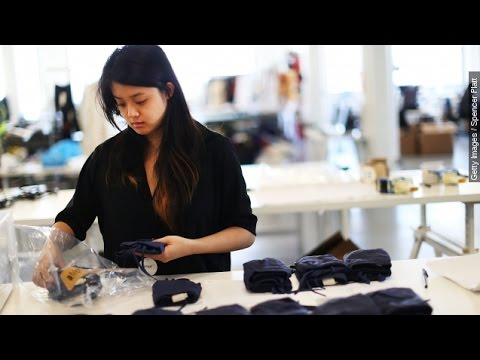 A Look At How Attractiveness Affects The Workplace - Newsy