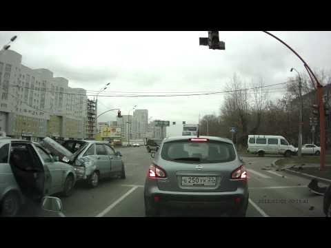 Авария на Павловском тракте с автобусом. Барнаул