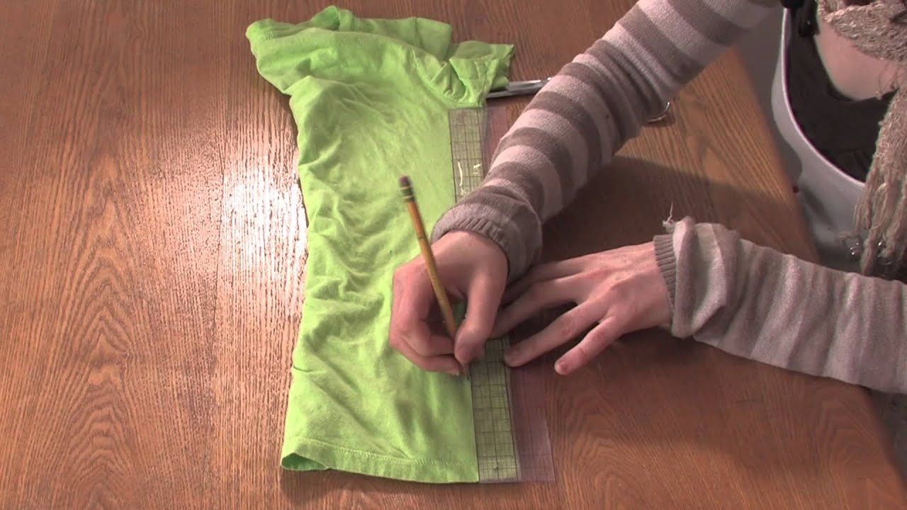How to Make Cut Off Shirts How to Cut a T-shirt With