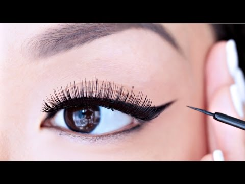 HOW TO: Apply Liquid Eyeliner For Beginners | chiutips
