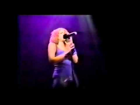 Shakira - Alfonsina Y El Mar - [HD]
