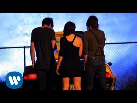 VersaEmerge: Figure It Out [OFFICIAL VIDEO]