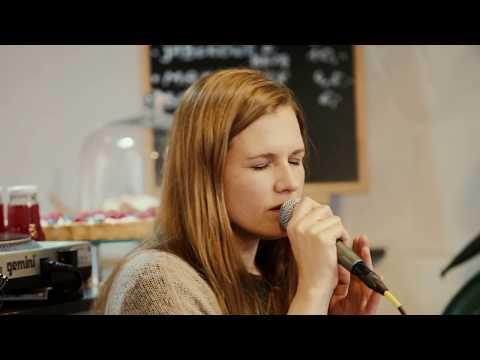MIKROMUSIC  Tak Tęsknię (Mikromusic Z Dolnej Półki - Official Acoustic Live Video)