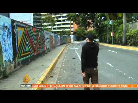 Chavez painted upon streets of Caracas